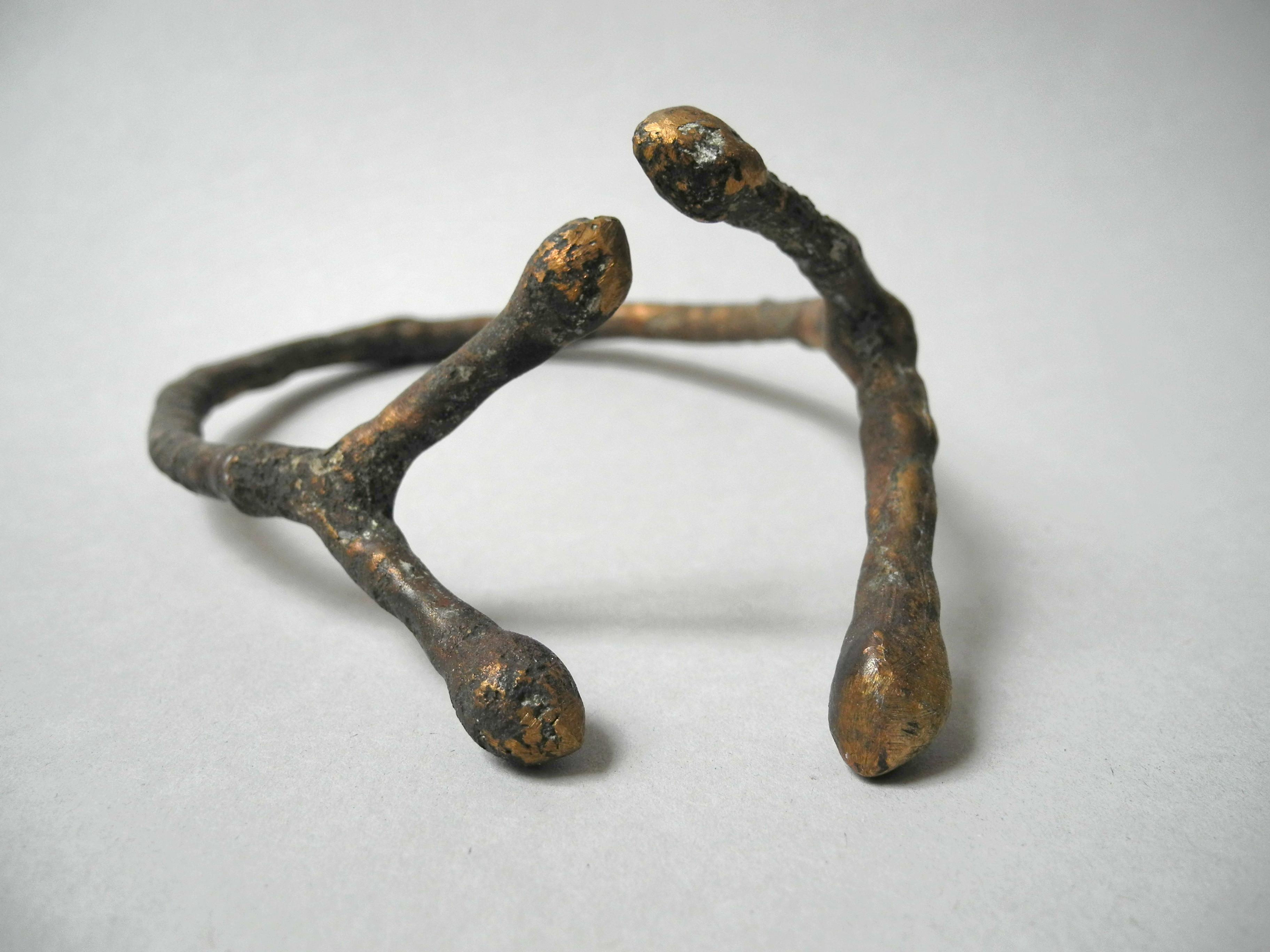 Viersam (Kastanienzweige in Bronze)